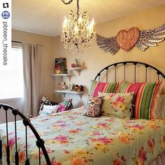 #Repost @pbteen_theoaks ・・・ We've been having a lot of fun helping Jayden and her mom create her dream room. Her wild heart shows through in her Junk Gypsy room. . . @junkgypsy #pbteen #thousandoaks #california #teen #teenroom #design #decor #floral #glam #wildheart #gypsysoul #junkgypsy #junkgypsy4pbteen
