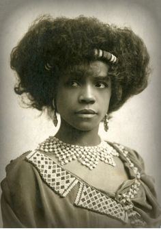 "Studio portrait of singer and dancer Aida (or Ada) Overton Walker, ca. (NYPL Digital Gallery) ""Born on Valentine's Day in New York City, Aida Overton began her career as a teenage chorus member of ""Black Patti's Troubadours."" While performing. Vintage Black Glamour, Vintage Beauty, Vintage Pictures, Vintage Images, American Photo, American History, Photo Vintage, Vintage Style, Vintage Fashion"