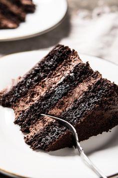 Keto Dieta saved to Keto Free, Paleo & Keto Chocolate Cake 8 Indulgent Sugar Free Dessert Recipes Gluten Free Cakes, Gluten Free Baking, Gluten Free Desserts, Gluten Free Recipes, Low Carb Recipes, Paleo Dessert, Dessert Sans Gluten, Dessert Recipes, Dinner Recipes
