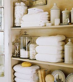 Folded towels | Img @ Kola Rose. http://kolarosedesigns.wordpress.com/2013/01/12/weekend-organizing