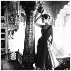 Image from http://cdn.freshnet.com/blogs/118/2013/03/anne-gunning-in-dress-by-susan-small-photo-by-norman-parkinson-india-feature-for-vogue-uk-dec-1956v.jpg.