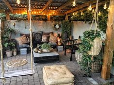 Ideas for backyard patio deck cinder blocks Backyard Patio Designs, Backyard Landscaping, Outdoor Rooms, Outdoor Living, Outdoor Decor, Outdoor Areas, Garden Design, Green Sofa, Cinder Blocks