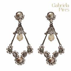 Brinco Fábula - Gabriela Pires. Disponível na loja virtual: www.gabrielapires.com.br #gabrielapires #fashionjewelry #swarovskielements