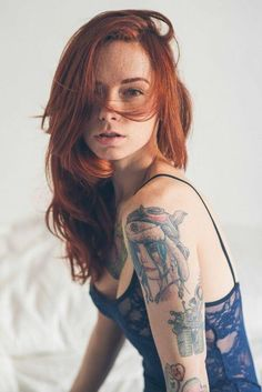 Hot Redheads With Tattoos. Hot redheaded girls with tattoos are beyond sexy. Tattoo Girls, Girl Tattoos, Tatoos, Beautiful Redhead, Most Beautiful Women, Natural Redhead, Beautiful Models, Fashion Mode, Look Fashion