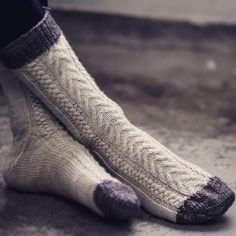 Knitting inspiration By Knitting Socks, Hand Knitting, Knitting Patterns, Knit Socks, Dorothy Day, Yarn Crafts, Dress Codes, Leg Warmers, Crochet Projects