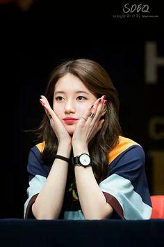 Suzy is so pretty ! Bae Suzy, Cute Korean Girl, Asian Girl, Korean Beauty, Asian Beauty, Miss A Kpop, Korean Actresses, Korean Actors, Miss A Suzy
