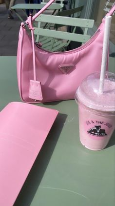 Baby Pink Aesthetic, Summer Aesthetic, Joe And The Juice, Estilo Cool, Cute Bags, Photo Dump, Pastel Pink, Aesthetic Pictures, Girly Things