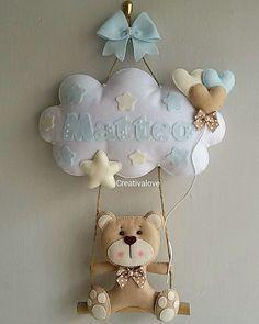Fiocco Felt Wreath, Felt Garland, Felt Ornaments, Baby Crafts, Felt Crafts, Diy And Crafts, Fabric Crafts, Baby Mobile, Felt Baby