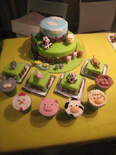 Bolo, mini-bolos e cupcakes de animais da quinta