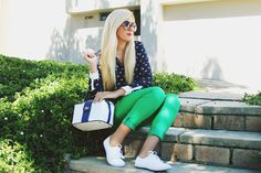 """So chic! """"chics outfits"""" - """"heels"""" = """"Fabulously Comfortable!!!"""" Life gets no better than being fabulous and comfy. And I gotta get myself a couple of these cute squares looking purses!!! I see them everywhere, its sign from the lord, that I must own one soon. Lol! ;-p"""