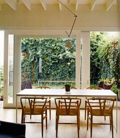 o'connor + houle, south melbourne house. Wishbone chairs