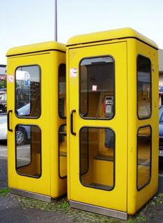Gelbe Bundespost Telefonzellen, man konnte die Telefonkarten wiederaufladen und dann weitertelefonieren...