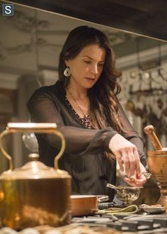 Witches of East End Season 2 Episode 6 Photos Laura Lee, Julia Ormond, Witches Of East End, Modern Magic, Image Film, The Good Witch, Cinema, Watch Tv Shows, Witch Art