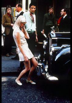 24 Color Photos of Swinging London - - Flashbak Swinging London, Robert Kennedy, Carnaby Street, London Street, Steve Mcqueen, Cultura Pop, Martin Luther King, Brigitte Bardot, Grace Kelly