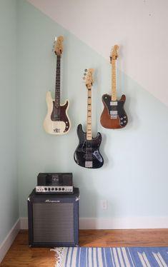 One Room Challenge: Nick's Office Hanging Guitars - Wills Casa Guitar Bedroom, Music Bedroom, Men Bedroom, Home Music Rooms, Music Studio Room, Design Studio Office, Recording Studio Design, Hang Guitar On Wall, Guitar Display