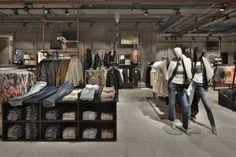 Kastner-Oehler-Store-Ried-im-Innkreis-Austria-Blocher-Blocher-Partners_03.jpg (720×480)