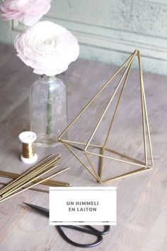 DiY brass Himmeli (Do this except with straws or stir sticks, then spray paint the final shape.)