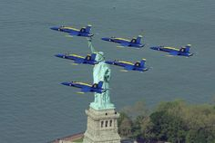 AIRPLANES OVER NEW YORK CITY - BLUE ANGELS - STATUE OF LIBERTY