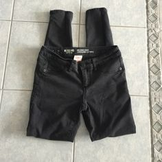 Mossimo Jeggings Faded black wash, low rise and worn only a few times. Size 3 Mossimo Supply Co. Jeans Skinny