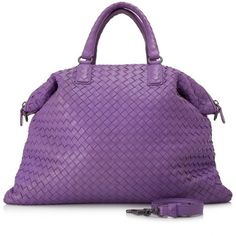 Pre-owned Bottega Veneta Intrecciato Nappa Tote Bag (147.025 RUB) ❤ liked on Polyvore featuring bags, handbags, tote bags, purple, handbags totes, purple tote, purple tote bags, zip top tote bags and bottega veneta handbags