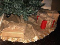 Rustic Christmas Decoration. Hessian/burlap by CowDogDesign