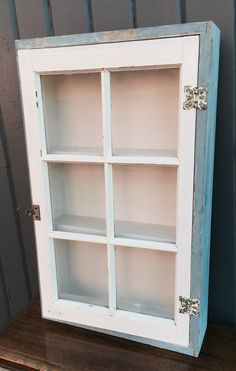 Old window shadow box Flower Shadow Box, Wood Shadow Box, Shadow Box Frames, Window Frames, Old Window Projects, Window Ideas, Diy Projects, Shadow Box Shelves, Window Shadow