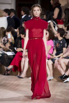 View the Valentino Fall 2015 Couture collection. See photos and video of the F2015CTR runway show. Valentino