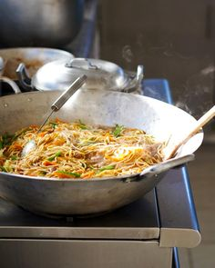 This Filipino Pancit recipe comes from the orphanage that I worked at for a year in Cebu. It's my all-time favorite Filipino recipe! I think I would use chicken and chicken bouillon as i'm more likely to have hat on hand. Filipino Pancit, Filipino Dishes, Filipino Recipes, Asian Recipes, Ethnic Recipes, Filipino Food, Filipino Noodles, Asian Noodles, Pork Recipes