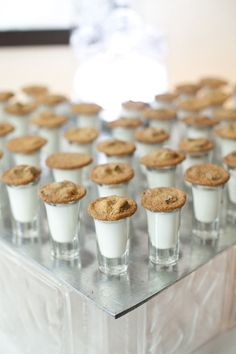 Chocolate chip cookies and milk shots for a wedding dessert table – Wedding Catering Wedding Cookies, Wedding Desserts, Cookie Bar Wedding, Wedding Snacks, Wedding Ideas, Wedding Foods, Trendy Wedding, Dessert Bar Wedding, Wedding Cake