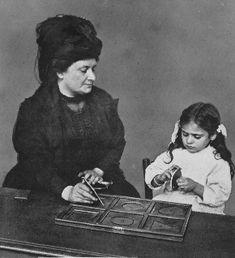 Recortando figuras geométricas con Maria Montessori