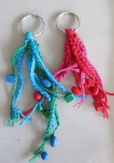 Souvenir de ma vie: kleurenleer Projects For Kids, Crochet Earrings, School, Souvenir, Middle, Craft Work, Kids Service Projects