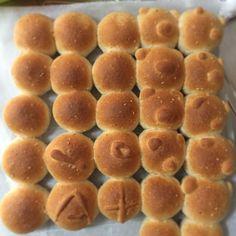 ちぎりパン。 全粒粉入り。