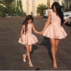 Mother Daughter Fashion goals cute or not ? Mother Daughter Matching Outfits, Mother Daughter Fashion, Mommy And Me Outfits, Family Outfits, Girl Outfits, Fashion Outfits, Fashion Trends, Outfits Madre E Hija, Latest Dress Trends