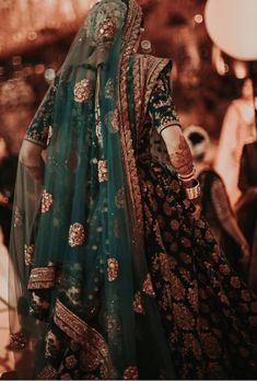 Shades of emerald and strokes of teal make one helluva wedding outfit . hints of jasmine through the dupatta veil 😍 .