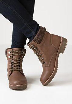 Bottines à lacets TOM TAILOR Bottines à lacets - brown marron: 59,95 € chez… Beautiful Outfits, Combat Boots, Toms, Wedges, Style, Clothing, Fashion, Boots, Shoe
