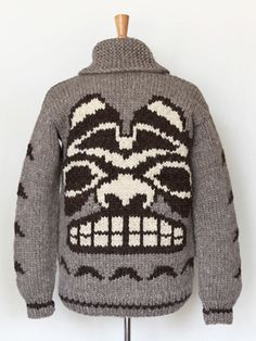 Fresh update on classic Cowichan from Granted Clothing line - Mask - Bear Vintage Knitting, Hand Knitting, Knitting Sweaters, Crochet Cross, Knit Crochet, Cowichan Sweater, Men Sweater, Knitting Patterns, Crochet Patterns