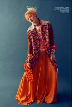 FORMS: L'OFFICIEL Ukraine Photo Filippo Del Vita Style Elena Moussa/Moussa Project #clutch #fashion