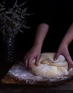 Novias | RÚSTICA Mexican Pastries, Mexican Bread, Healthy Recipes, Healthy Meals, Stuffed Mushrooms, Food, Art, Rustic Groom, Mexican Sweet Breads
