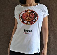 Guarda questo articolo nel mio negozio Etsy https://www.etsy.com/it/listing/530191213/t-shirt-da-donna-t-shirt-stampa-digitale