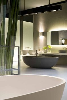 Boffi showroom in Barcelona [Design by Piero Lissoni] House Design, Home, Interior Architecture Design, Modern Bathroom Design, Bathroom Sets, Modern, Luxury Bathroom, Bathroom Design, Beautiful Bathrooms