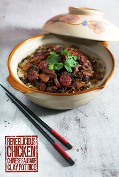 Chicken & Chinese Sausage Clay Pot Rice is so good. I also like to have this with ribs and when I'm feeling a little under the weather salted dried fish! Recipes With Chinese Sausage, Indian Food Recipes, Asian Recipes, Claypot Recipes, Crockpot Recipes, Cooking Recipes, Rice Recipes, Chicken Recipes, Malaysian Cuisine