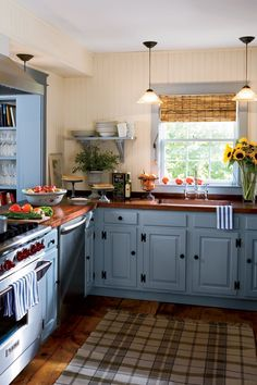 Country white kitchen ideas french country kitchen ideas white cabinets country white cabinets country white kitchen cabinets full size of country country Country White Kitchen, Country Modern Home, French Country Kitchens, Farmhouse Style Kitchen, Cottage Farmhouse, Kitchen Colour Schemes, Kitchen Colors, Kitchen Design, Rustic Kitchen Decor