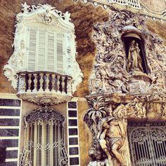 Het keramiekmuseum is gevestigd in het barokke paleis van de markies (Palacio del Marques de Dos Aguas) en is zeker een bezoek waard. Al sinds de middeleeuwen is de regio van Valencia gekend op het gebied van keramiek! #Valencia #museum #keramiek