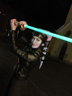 twi'lek jedi green lightsaber Star Wars Jedi, Star Trek, Female Jedi, Star Wars Girls, Best Fan, Love Stars, Lightsaber, Empire, Journey