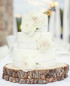 Photo: Sarah Kate, Photographer; To see more stunning wedding cakes: http://www.modwedding.com/2014/11/17/spoil-guests-incredible-wedding-cakes/  #wedding #weddings #wedding_cake