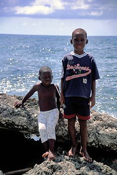 Afro Colombian kids from San Andres . Colombian People, African Origins, South American Countries, History Class, African Diaspora, We Are The World, My Black Is Beautiful, Africans, My People