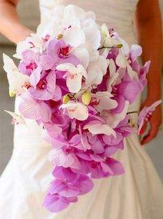 Tea yudamos a descifrar el significado del #ramo de la #novia. #orquídeas