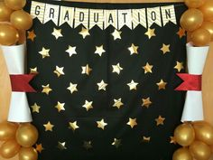Easy centerpieces + Ornaments + Graduation Decoration 2019 - New Deko Sites 5th Grade Graduation, Graduation Crafts, Graduation Party Planning, Kindergarten Graduation, Graduation Decorations, Graduation Party Decor, School Decorations, Graduation Photos, Grad Parties