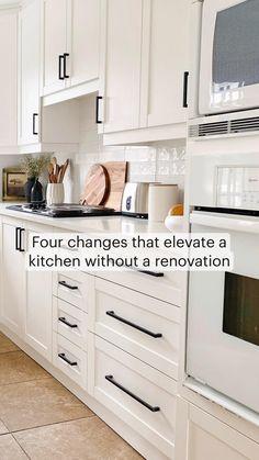 White Kitchen Appliances, Farmhouse Kitchen Cabinets, Kitchen Cabinet Colors, Kitchen Redo, Home Decor Kitchen, Home Kitchens, Diy Painting Kitchen Cabinets, Kitchen Cabinets Designs, How To Paint Kitchen Cabinets