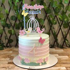 4 meses da Maria Luiza! Quanta delicadeza  Bolo da @ch_bolosedoces . . . #topperparabolo #topperdebolo #topperpersonalizado… Cupcakes, Cupcake Cakes, Watercolor Food, Paper Decorations, Cake Designs, Alice, Cake Toppers, Cake Decorating, Diy And Crafts